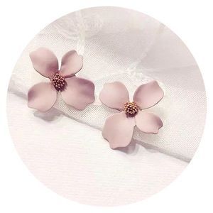 Jewelry - • 🌸 Floral Drop Earring 🌸 •